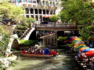 San_Antonio_River_Walk_Day